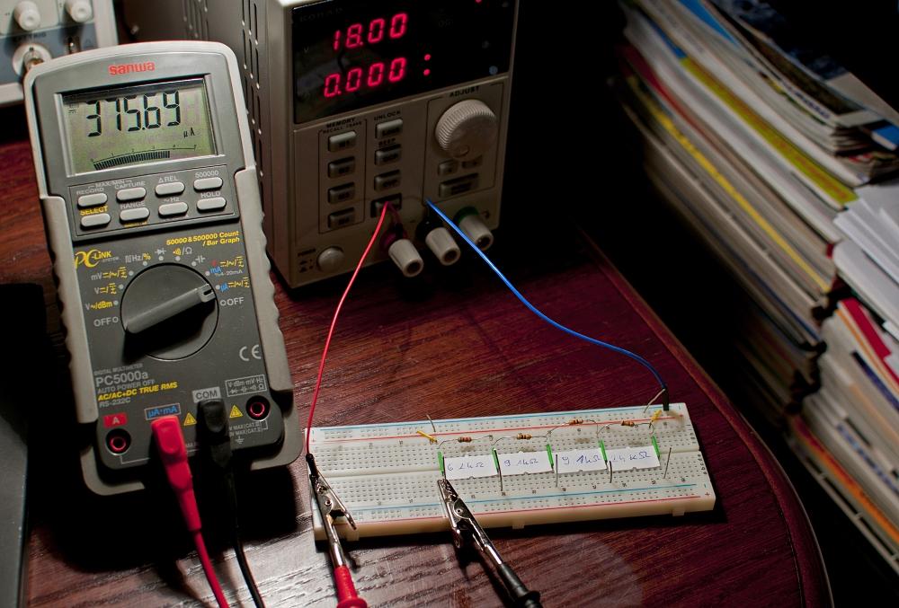 dzielnik napięcia pomiar prądu